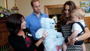 Royal baby si scatena tra i giochi al primo impegno ufficiale