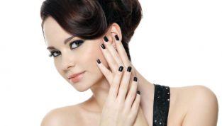 Dark manicure: tutti gli smalti must have