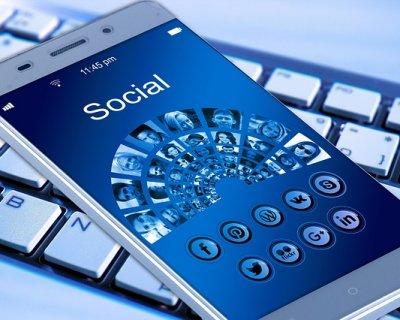 Errori da evitare sui social network, le regole di bon ton