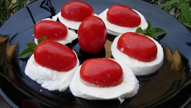 Insalata caprese, piatto tipico italiano
