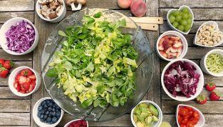 Insalate estive: sapore, colore e versatilità
