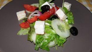 Insalata greca, sapore mediterraneo
