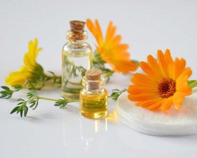 Medicina ayurvedica in vacanza: rimedi per i disturbi estivi