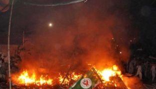 """Pakistan: 3 morti per foto """"blasfema"""" apparsa su facebook"""