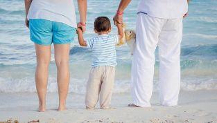 Vacanze con bambini, i must-have da portare in valigia