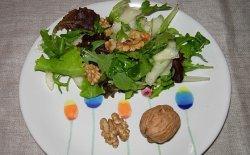 Insalata pere e noci, sapore e leggerezza