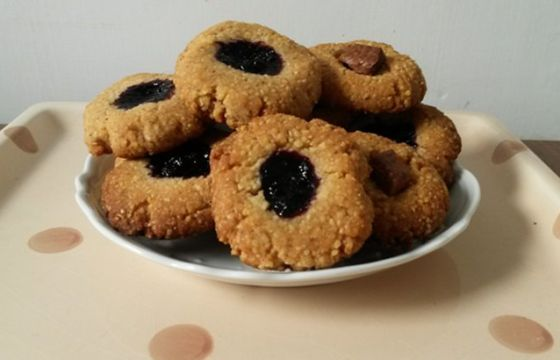 Biscotti croccanti alla crusca e cous cous, gustosa croccantezza