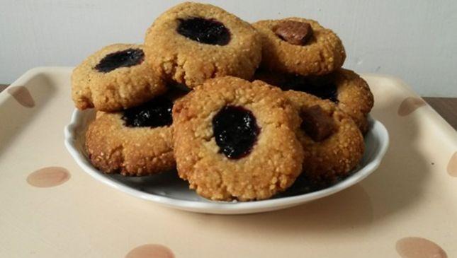 Biscotti croccanti alla crusca e cous cous, gustosa fragranza