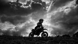 """""""FIORI. La vita che vince. 14 storie di figli"""" di Enzo Cei"""