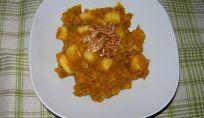 Gnocchi di patate con sugo di zucca e noci