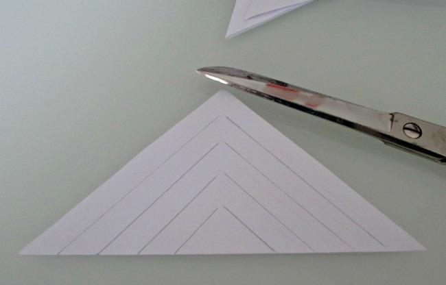 Fiocchi Di Neve Di Carta Da Ritagliare Tutorial : Fiocco di neve di carta fai da te