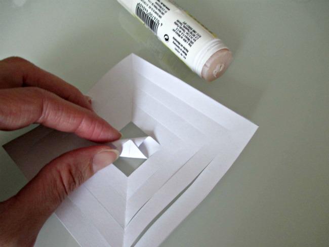 Fiocchi Di Neve Di Carta Fai Da Te : Fiocchi di neve di carta 3d: cristalli di ghiaccio 3d di carta