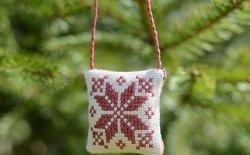 Punto croce per Natale: idee regalo e decorazioni fai da te