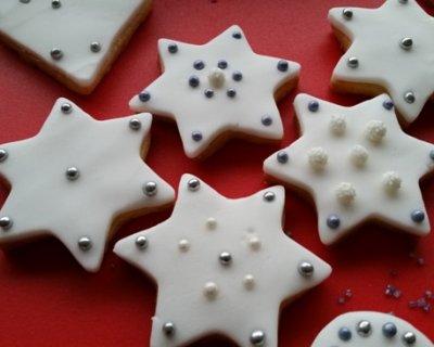 Biscotti Natale Pasta Di Zucchero.Stelle Di Natale Decorate Con Pasta Di Zucchero