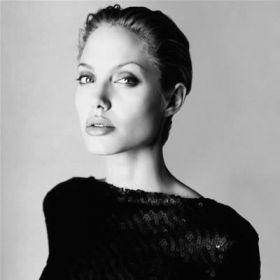 Angelina Jolie - Foto 14
